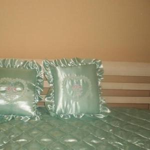 Продам покрывало с подушками
