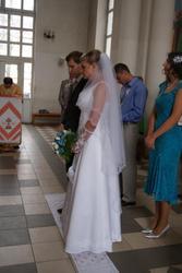 Продам весільну сукню білого кольору,  шестиклинка